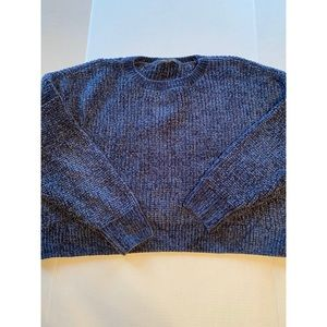SIZE LARGE CROP SWEATER